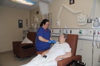 Химиотерапия - один из основных методов лечения рака яичников наряду с операцией